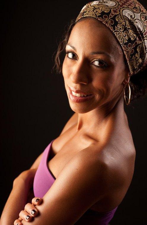 nadege fenghom, danseuse, danse africaine, danse afro jazz, danse afro contemporaine,